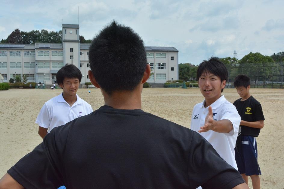 山添中学校でクラブ活動支援ボランティア
