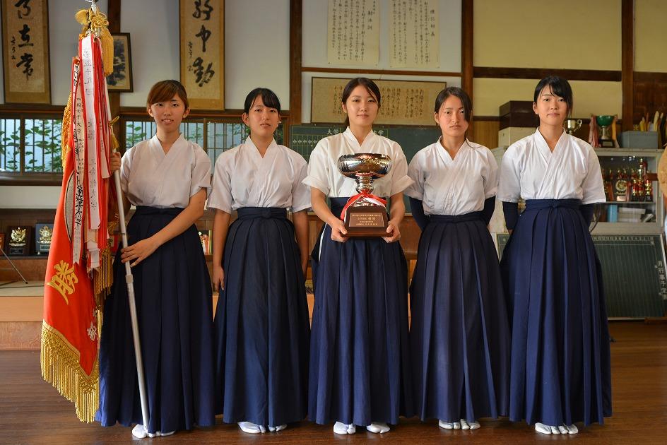 全日本学生弓道大会 女子団体戦初優勝、遠的個人戦男・女優勝